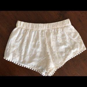 Stretch waist band shorts